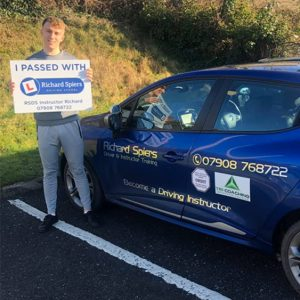 driving lessons in brecon